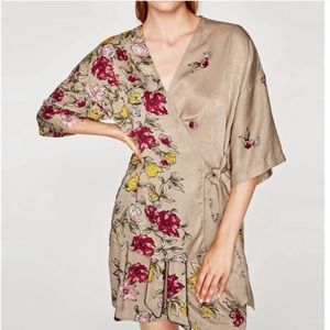 ZARA Basic Cream Colorful Floral Wrap Kimono M